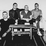 """The Menzingers annonce From Exile, un nouvel album """"réimaginé"""""""
