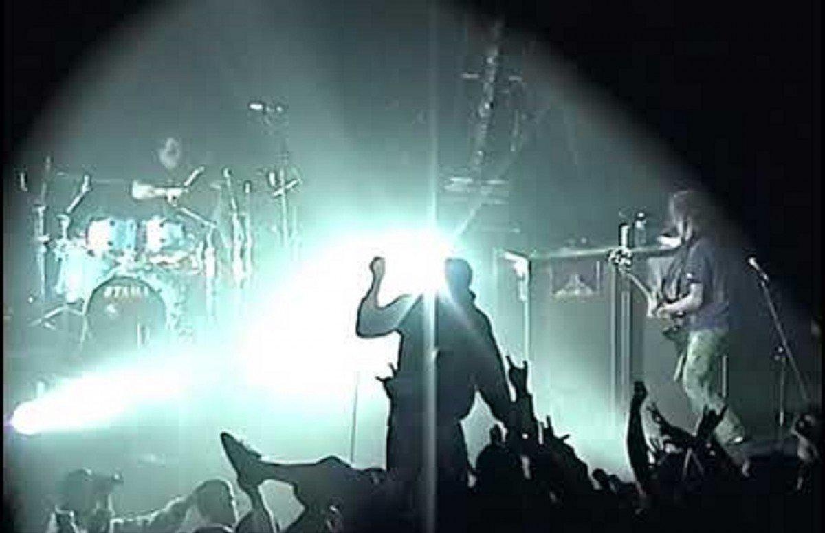 Regardez ce concert de Deftones datant de 2000 !