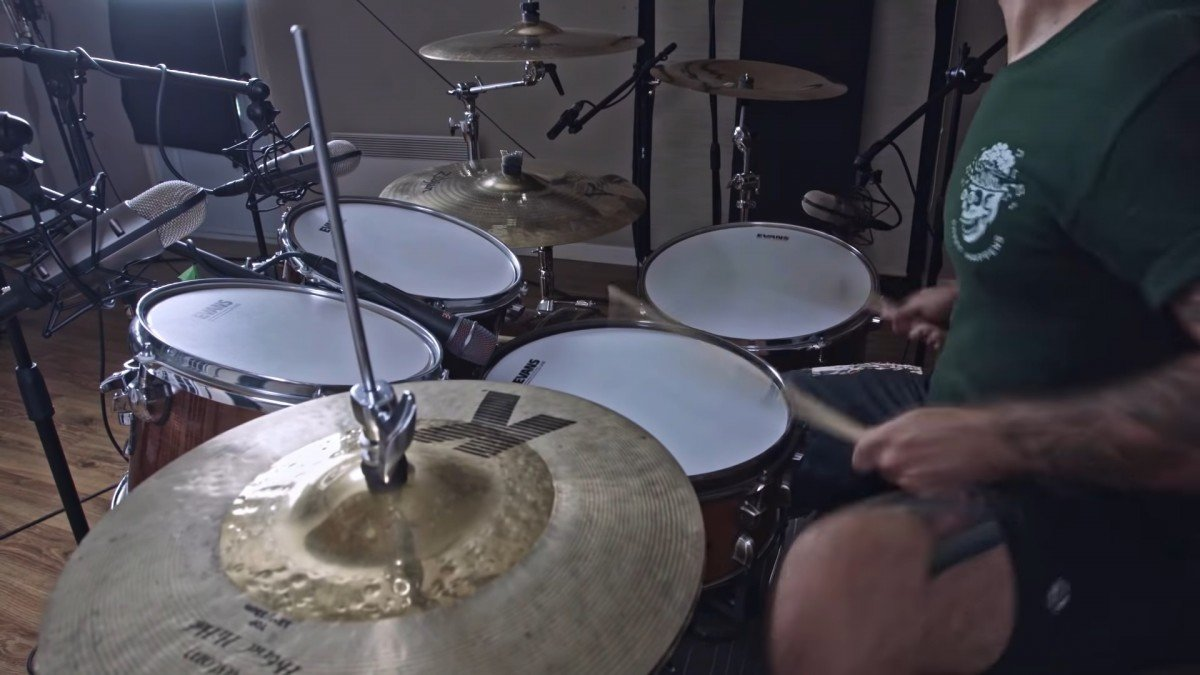 Regardez le batteur de Protest The Hero jouer All Hands