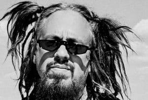 """Fieldy de Korn affirme que The Devil Went Down to Georgia est """"l'une des chansons les plus difficiles"""" qu'il ait jamais dû apprendre"""