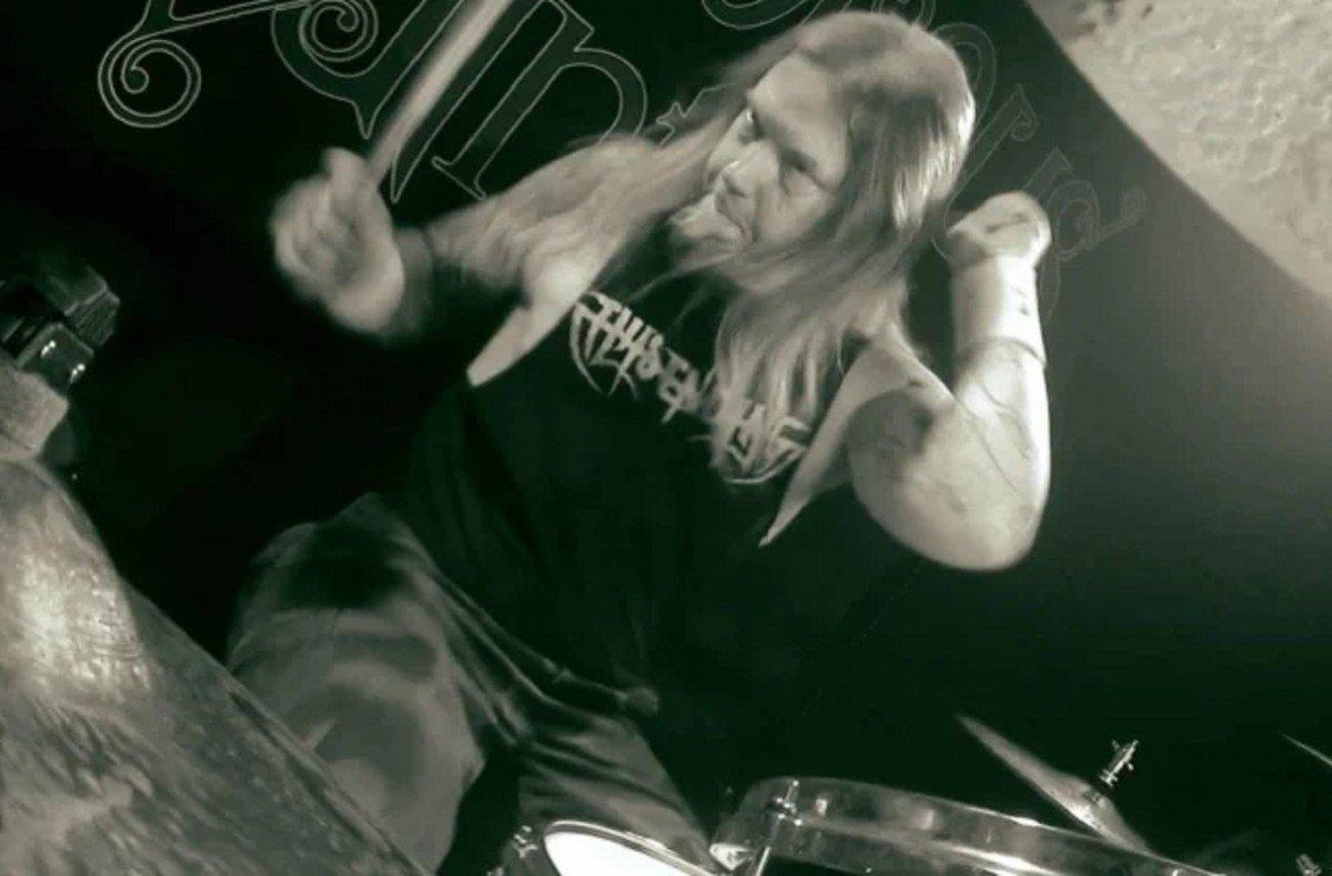 """L'ex-batteur de Amon Amarth, Fredrik Andersson, accuse ses anciens camarades de lui avoir """"volé"""" son """"héritage"""""""