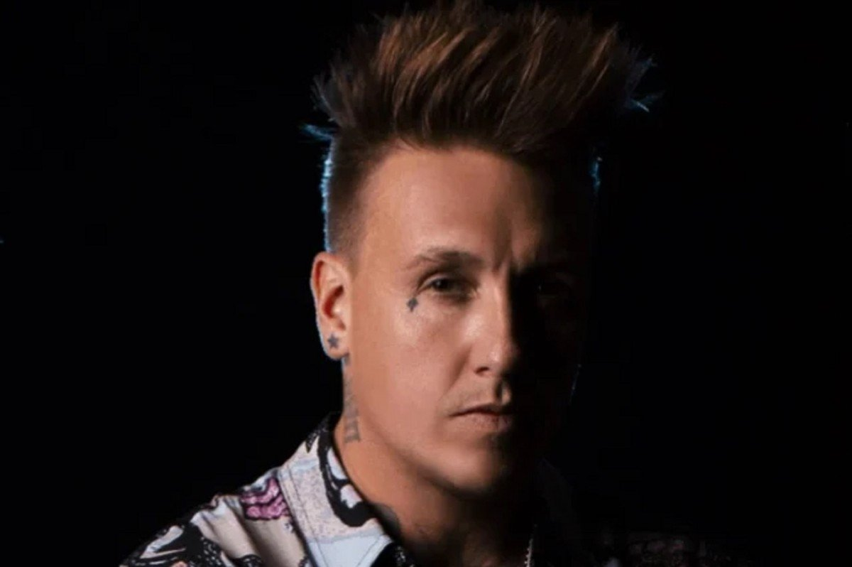 """Jacoby Shaddix de Papa Roach a écrit une nouvelle chanson pour son père : """"Ça m'a vraiment fait du bien"""""""