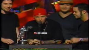 La fois où Tim Commerford de Rage Against The Machine a protesté contre la victoire de Limp Bizkit aux MTV Video Music Awards