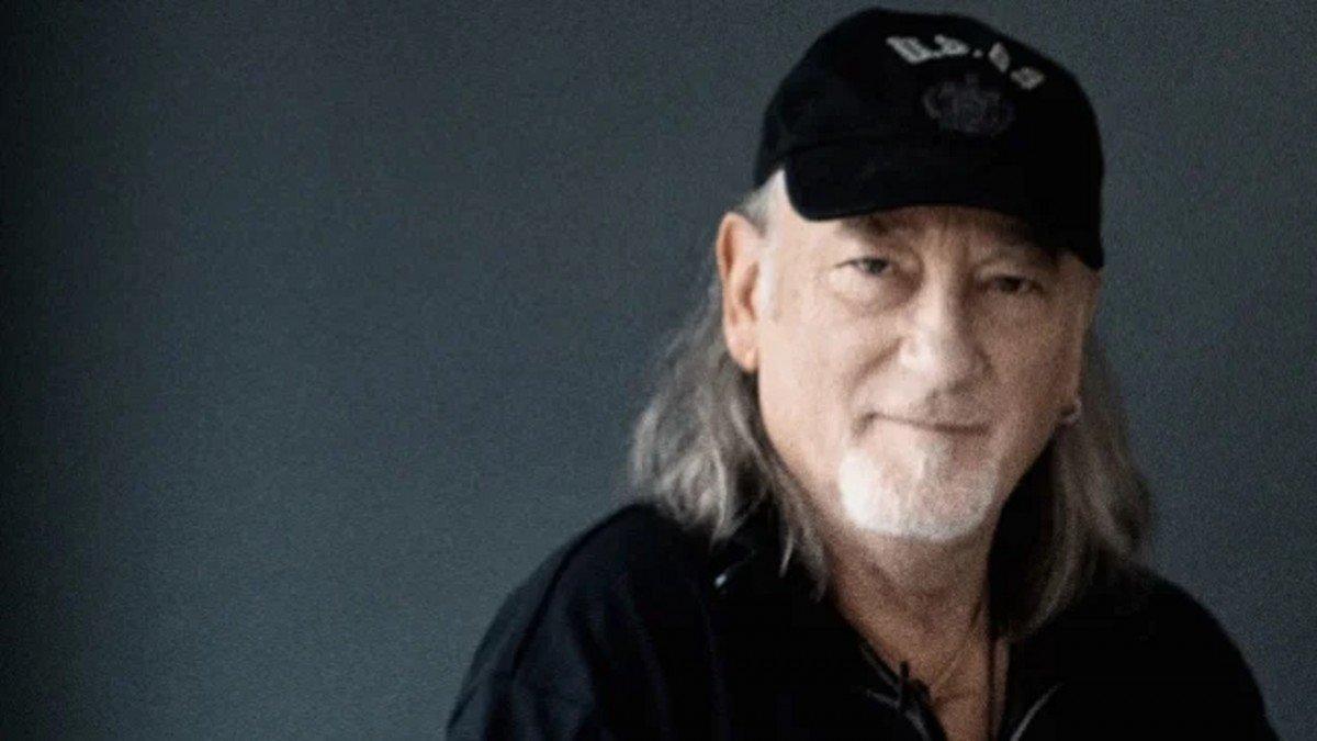 """Roger Glover de Deep Purple dit que Ritchie Blackmore """"aime mettre les gens mal à l'aise"""""""