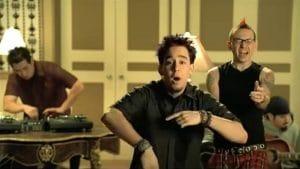 """Mike Shinoda de Linkin Park à propos du clip vidéo de Papercut : """"Désolé, nous ne savions pas ce que nous faisions"""""""