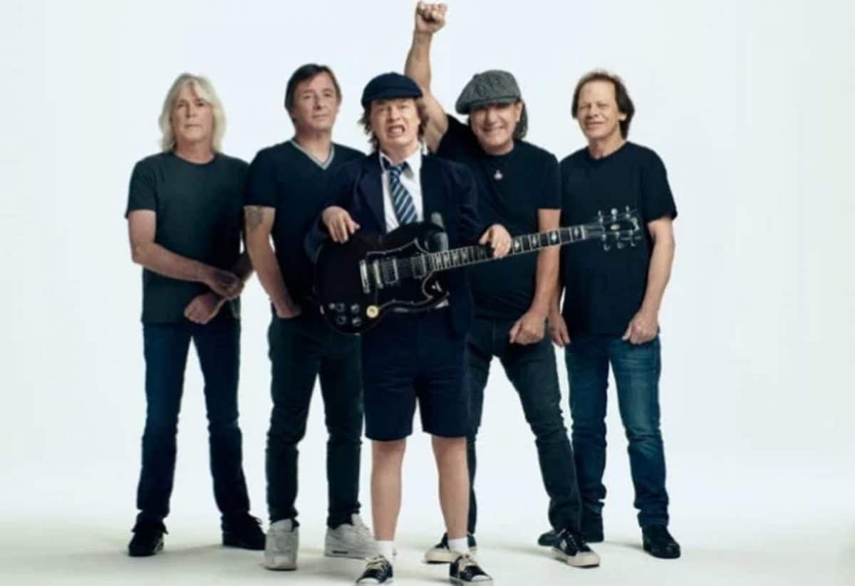 """Angus Young de AC/DC déclare que Power Up est un """"hommage"""" à son frère, Malcom Young"""