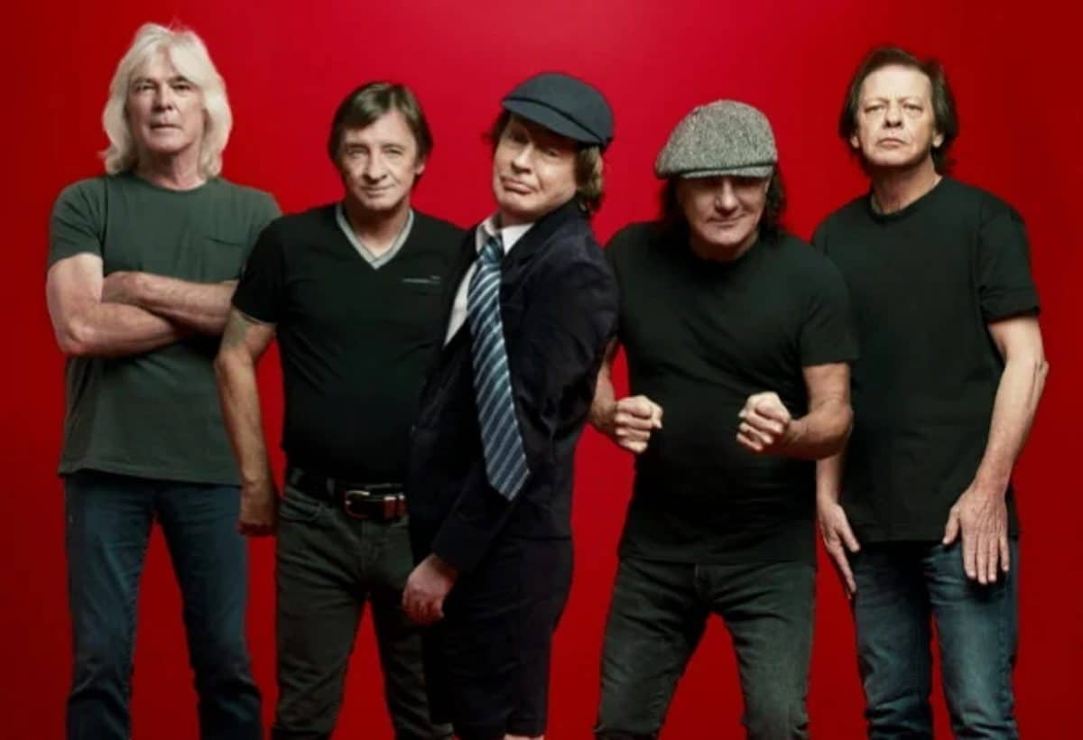 Angus Young de AC/DC déclare que certaines des idées de riffs sur Power Up ont au moins 20 ans