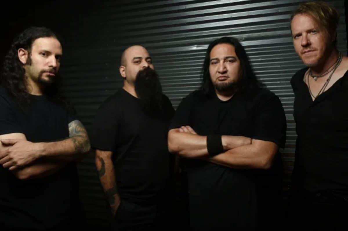 Fear Factory va sortir une nouvelle version de son album The Industrialist avec une vraie batterie