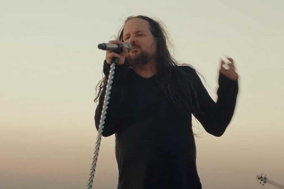 Korn sort un clip vidéo pour Finally Free & annonce un partenariat avec World of Tanks Blitz