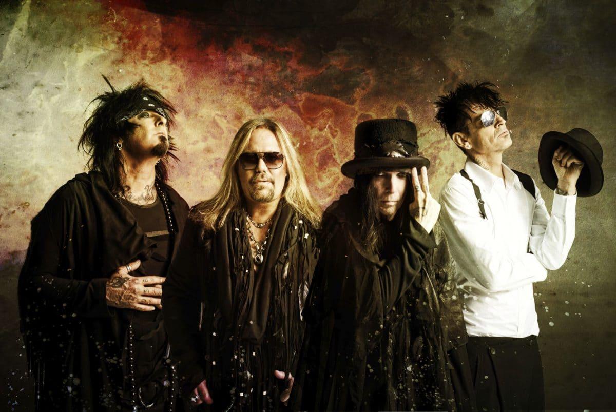 """Tommy Lee déclare que """"ce serait un honneur"""" pour Mötley Crüe d'être intronisé au Rock And Roll Hall Of Fame"""