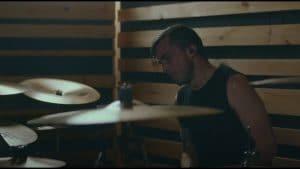 Regardez le batteur de Intervals jouer le nouveau single du groupe, Lock & Key