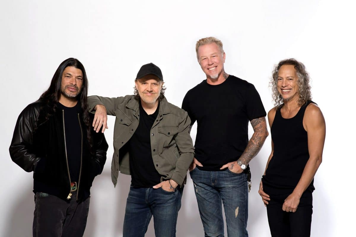"""Kirk Hammett de Metallica surle Black Album : """"Nous voulions faire comme AC/DC avec Back In Black, un disque rempli de singles"""""""