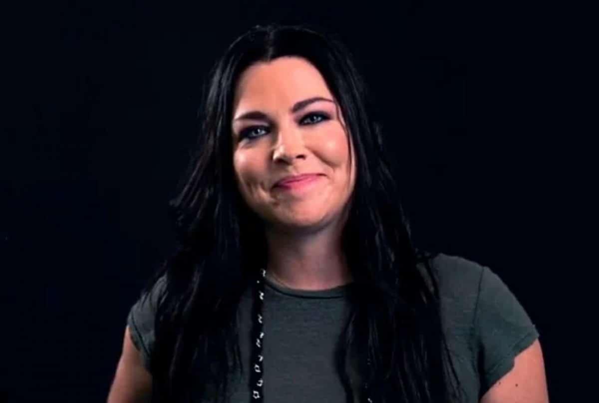 """Amy Lee de Evanescence : """"Vivre le moment présent est extrêmement important"""""""