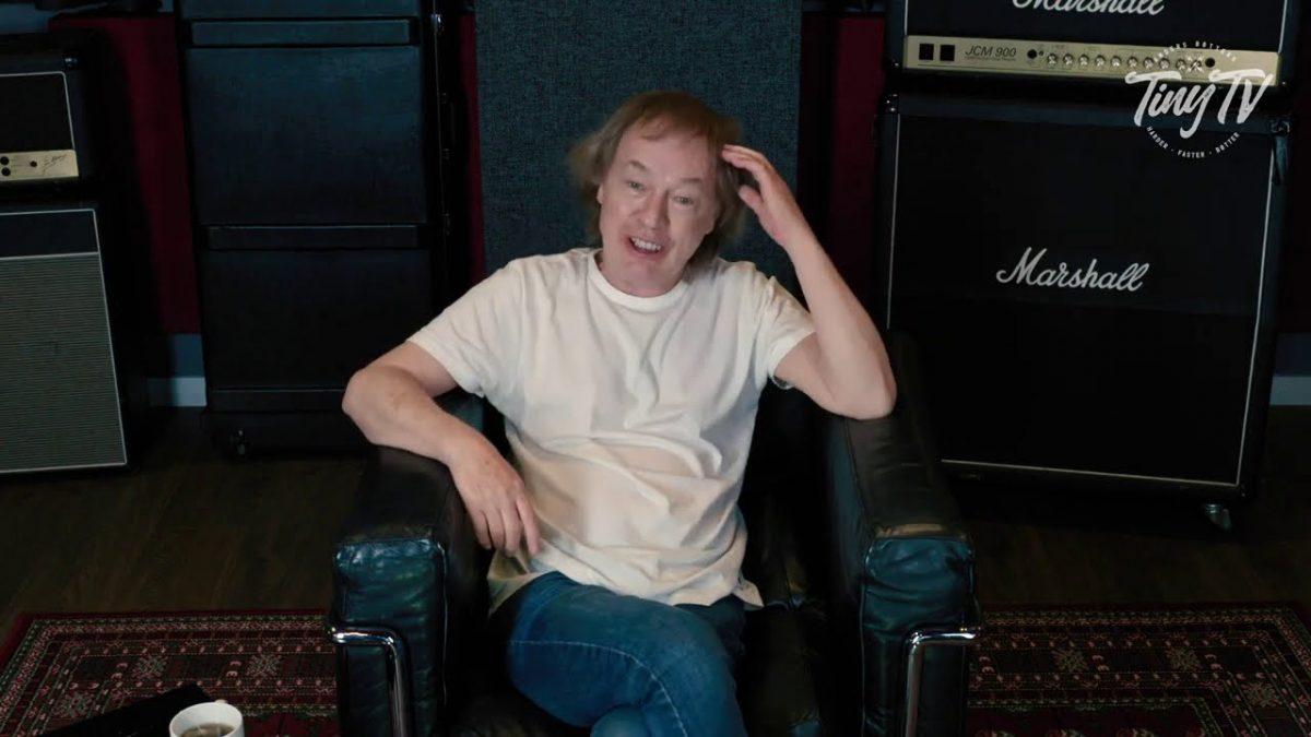 Angus Young de AC/DC se remémore le moment marquant où il a entendu Jimi Hendrix pour la première fois