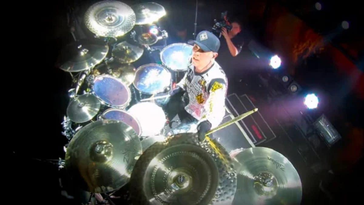 Regardez le batteur de Machine Head jouer The Rage To Overcome en live