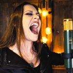 Regardez Floor Jansen de Nightwish chanter une version Metal/Rock de Let It Go (du film Frozen de Disney)