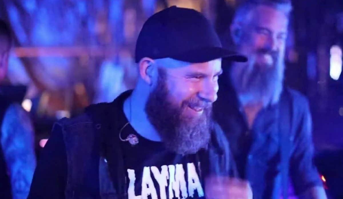 """In Flames sort un clip vidéo pour Stay With Me, et encourage ses fans à faire des dons pour """"maintenir l'industrie de la musique en vie"""""""