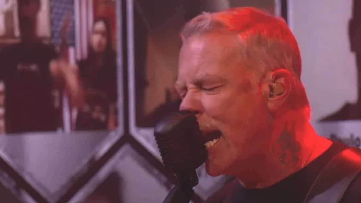 Regardez Metallica jouer une version réimaginée de Disposable Heroes pendant Live & Acoustic From HQ