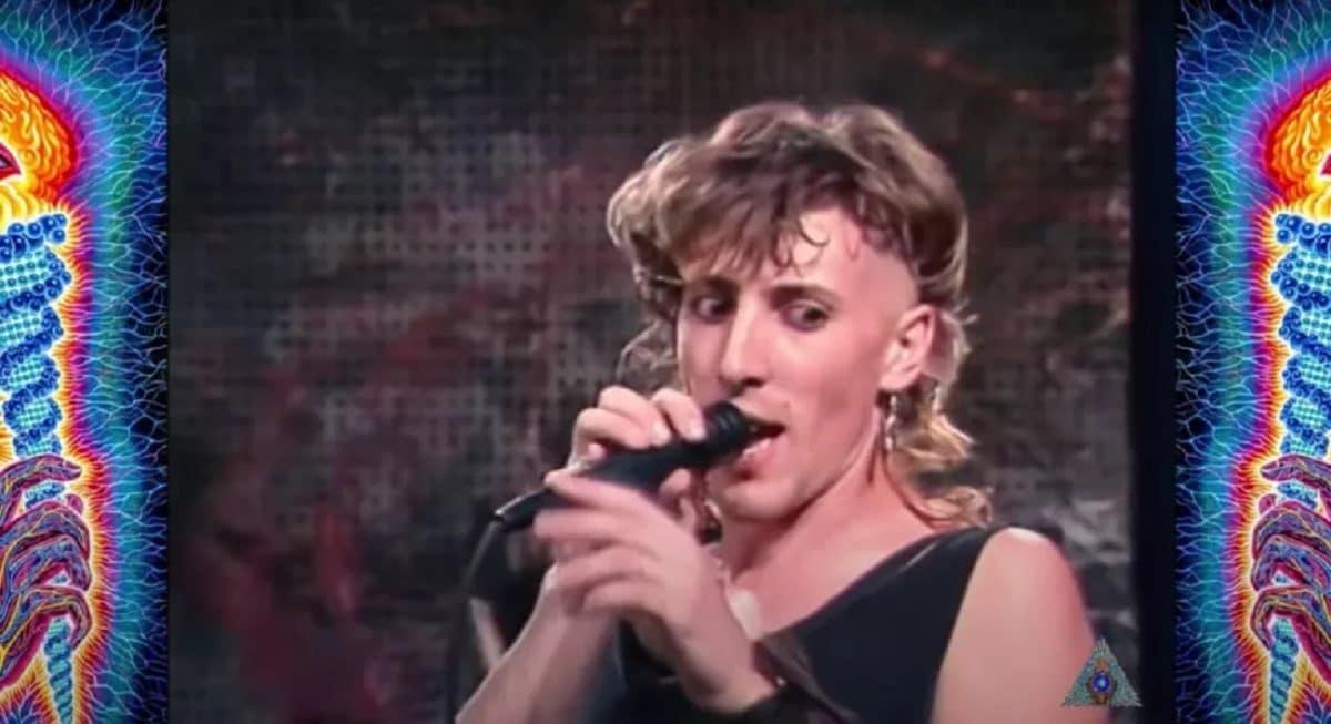 Découvrez le mulet, les sandales et les riffs pré-Tool de Maynard James Keenan dans des images télévisées inestimables de 1987