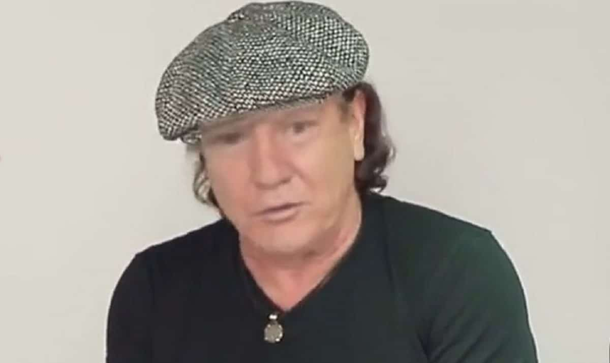 AC/DC : Regardez Donald Trump chanter Dirty Deeds Done Dirt Cheap