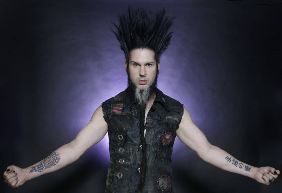 La reprise de Looks That Kill de Mötley Crüe par Static X fait surface