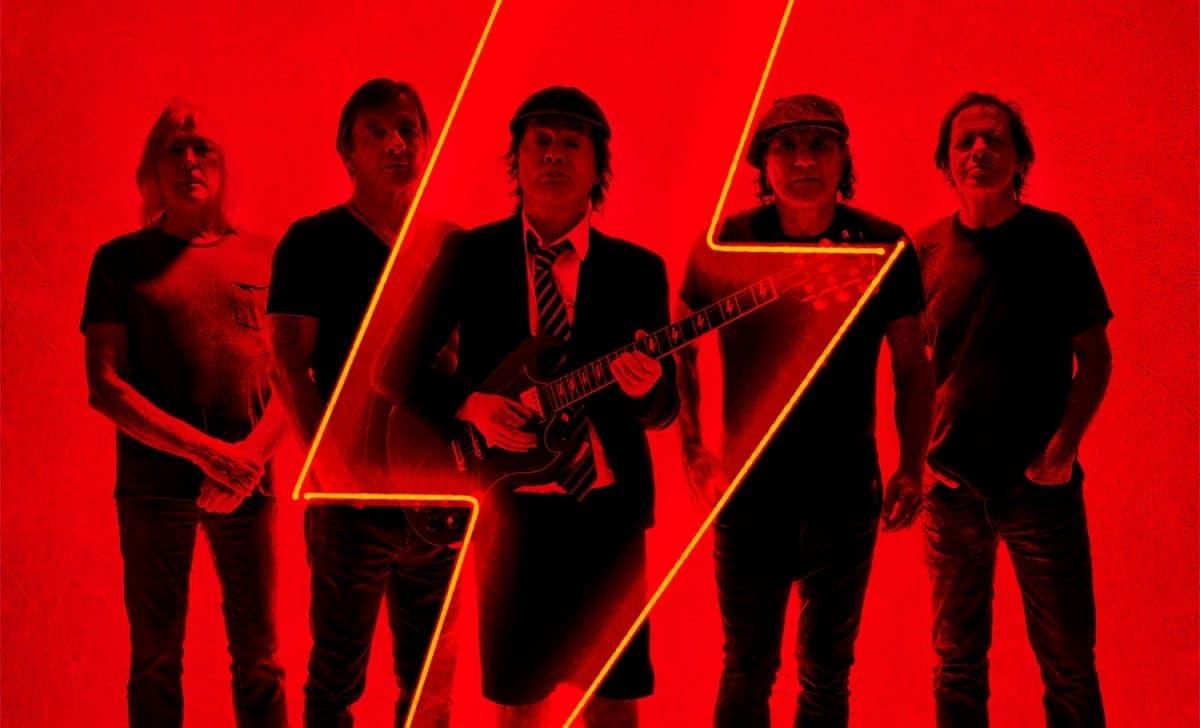 """Power Up de AC/DC et Ohms de Deftones ont été élus """"meilleurs albums Rock/Metal de 2020"""" par les anglophones"""