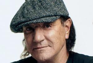 Brian Johnson de AC/DC explique pourquoi il porte toujours sa casquette emblématique