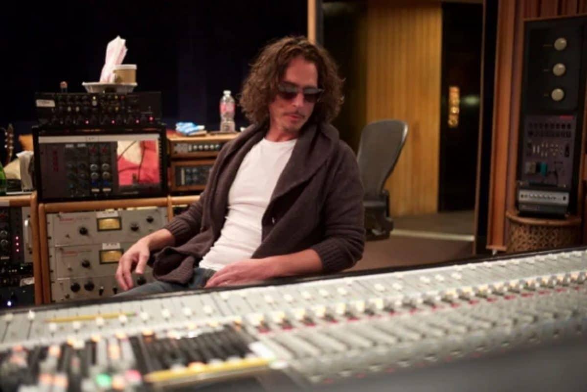 L'album de reprises de Chris Cornell, No One Sings Like You Anymore, est publié à titre posthume