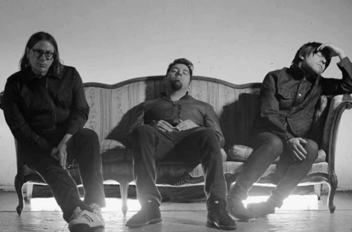 Crosses (avec Chino Moreno de Deftones) surprend ses fans en sortant son premier single en six ans