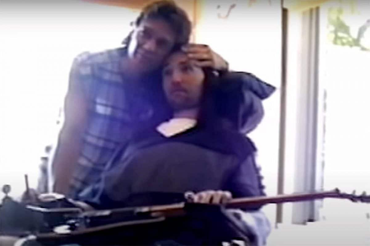 Regardez la nouvelle vidéo émouvante d'Eddie Van Halen rendant visite à Jason Becker en 1996