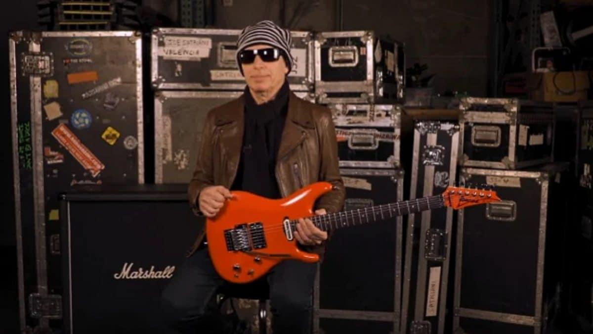 Joe Satriani dit qu'il faisait du tapping avant d'entendre Eddie Van Halen