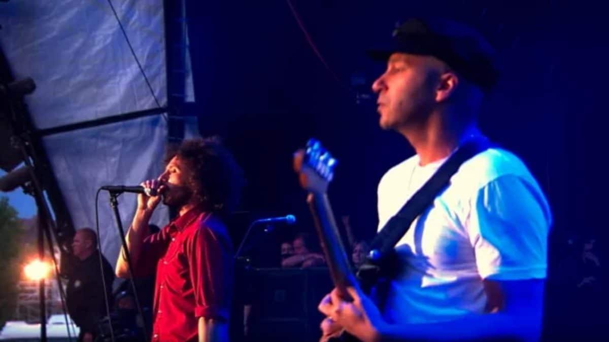"""Tom Morello dit que Rage Against The Machine avait """"zéro ambition commerciale"""" au moment de la création du groupe"""