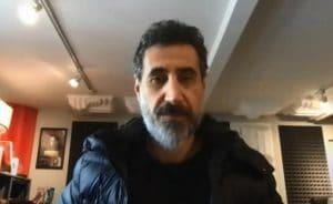 """System Of A Down """"n'envisage pas de faire"""" un nouvel album studio en ce moment, déclare Serj Tankian"""