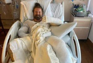 Le frontman de As I Lay Dying, Tim Lambesis, a subi des brûlures sur 25% de son corps lors d'un accident