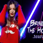 Vicky Psarakis de The Agonist sort une reprise de Bring Me The Horizon
