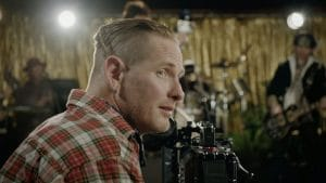 Corey Taylor recrute des copains acteurs et musiciens pour la vidéo hilarante de Samantha's Gone