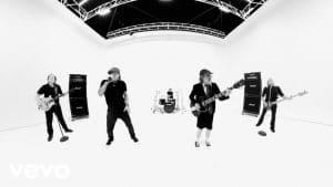 AC/DC : Regardez le clip vidéo de Realize !