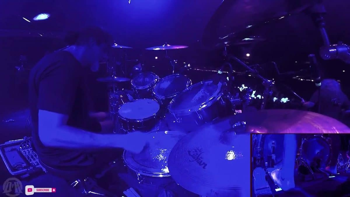 Regardez le batteur de Cannibal Corpse jouer The Wretched Spawn en live !