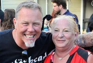 """James Hetfield de Metallica rend hommage à Marsha Zazula : """"Elle était ma mère quand je n'en avais pas"""""""