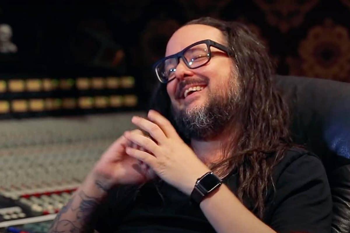 Korn : Le groupe de Metal aurait pu s'appeler Larry, selon Jonathan Davis
