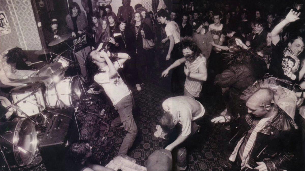 Écoutez Napalm Death jouer en live à Tokyo en 1989