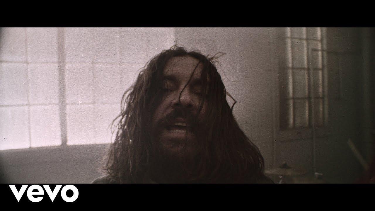 Seether publie un clip vidéo pour Bruised And Bloodied