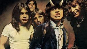 "Angus Young de AC/DC : ""J'ai inventé Highway To Hell pendant une pause toilette"""