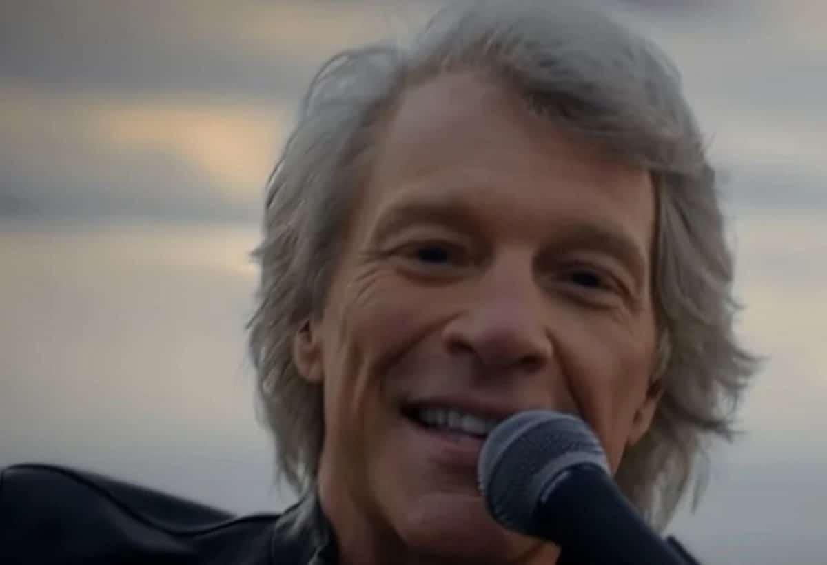 """Jon Bon Jovi donne des conseils aux jeunes artistes : """"Trouvez votre propre moyen de réinventer la roue"""""""