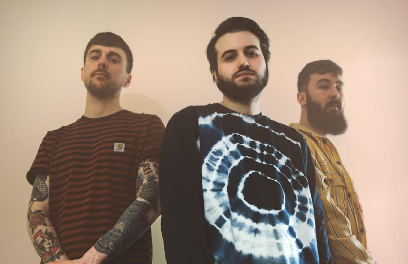 Le groupe d'Alt Rock français Back On Earth sort une nouvelle chanson accrocheuse