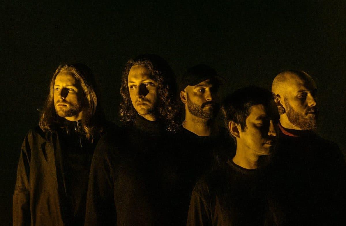 Erra nous parle de son nouvel album de Metal colossal, inspiré par Tool et Gojira