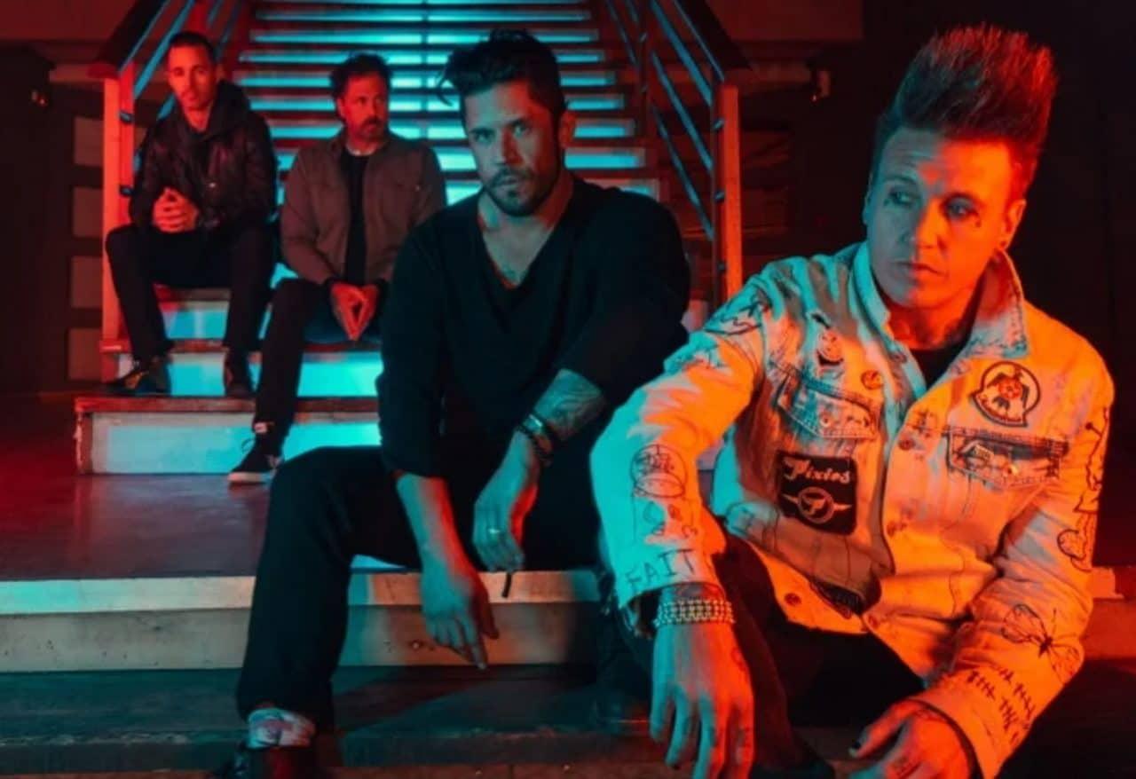 """Le nouvel album de Papa Roach va """"époustoufler les gens"""", selon Jacoby Shaddix"""