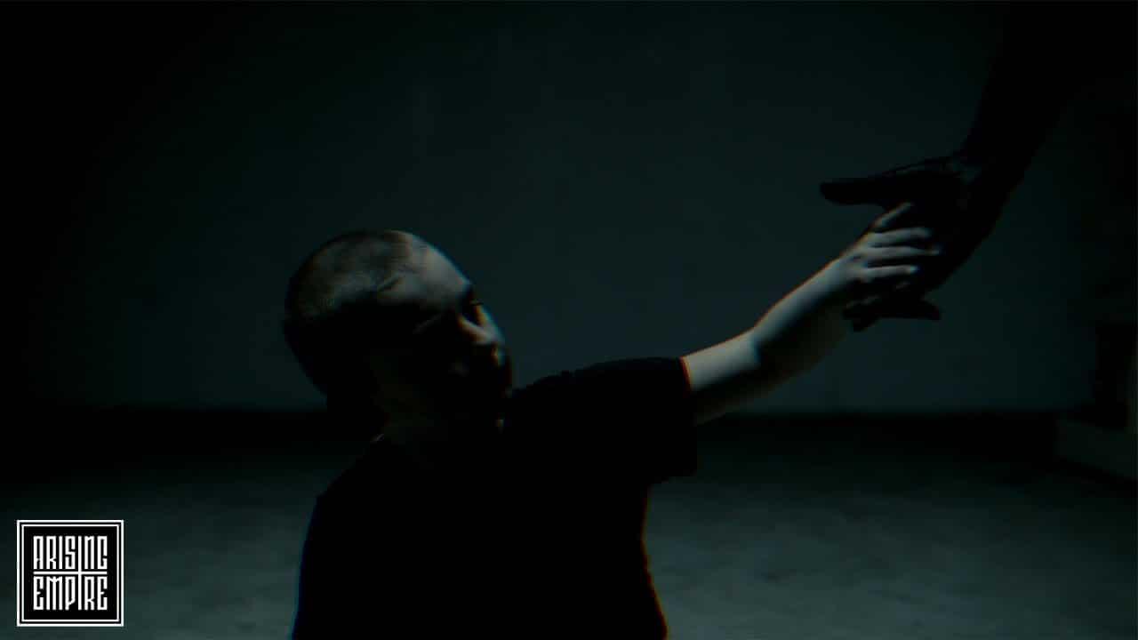 Écoutez le nouveau single de Aviana, Oblivion