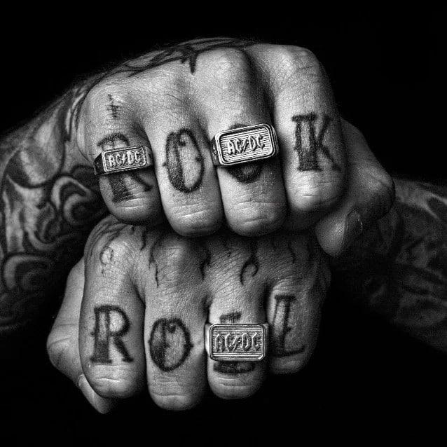 AC/DC annonce sa nouvelle collection en collaboration avec la marque australienne de bijoux, d'accessoires et de prêt-à-porter, Heart Of Bone !