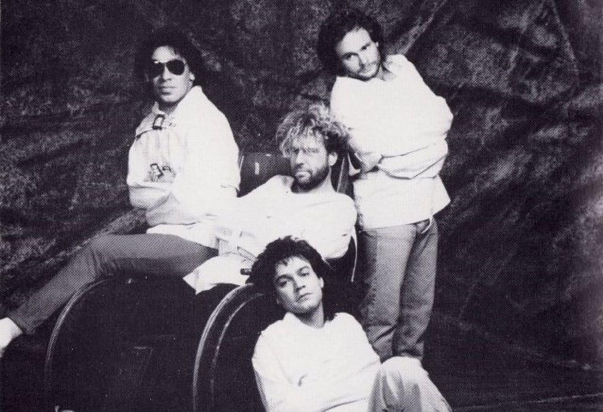 La maison de disques de Van Halen voulait que le groupe change de nom après avoir remplacé David Lee Roth par Sammy Hagar